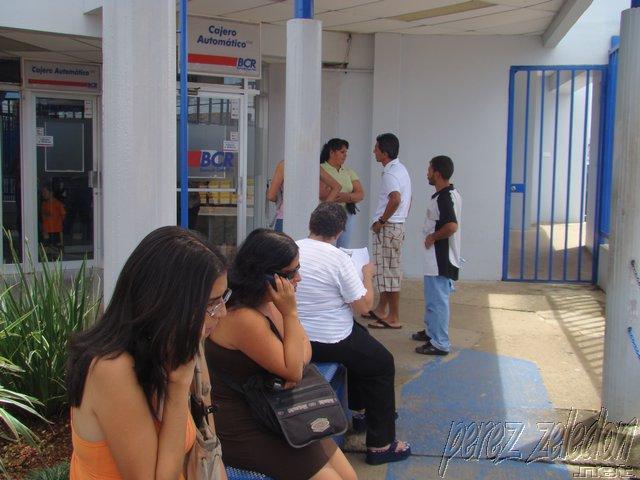 Bancos estatales instalar n m s cajeros autom ticos para for Banco con mas cajeros